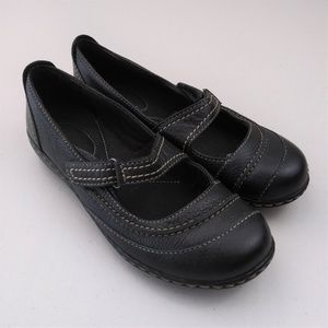Clarks Bendables 5.5M leather mary jane flats